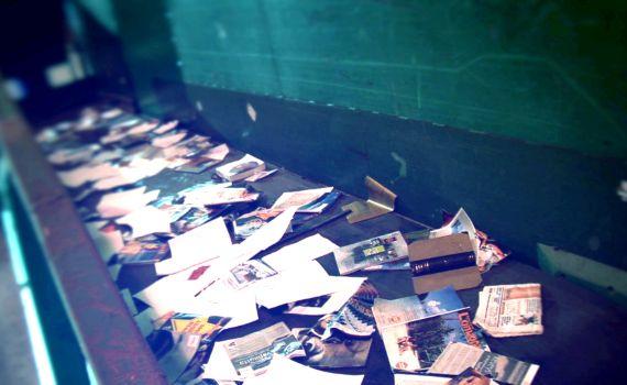 Arkistojen ja papereiden tuhoamispalvelu käsittelylaitoksella